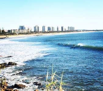Cosy beach house getaway! - Alexandra Headland