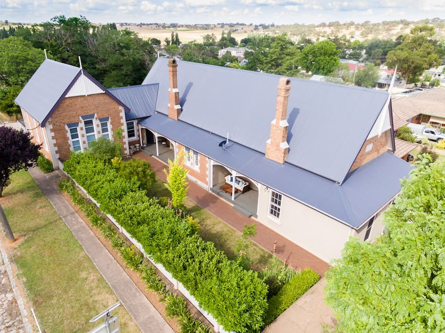 The old school house molong classroom 66 apartments for rent in molong new south wales - The modern apartment in the old school ...