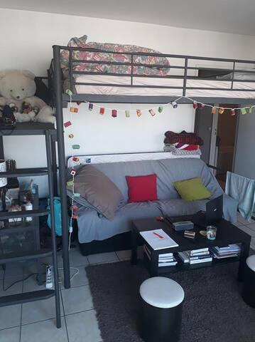 Joli studio avec balcon