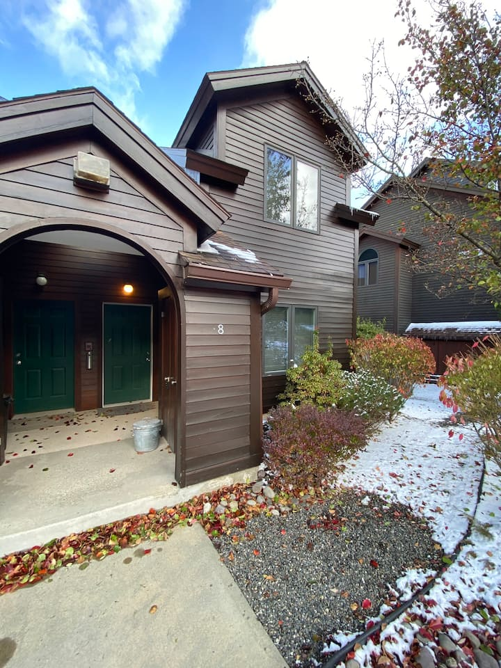Hunter Mountain Condo Walking Distance from Lift