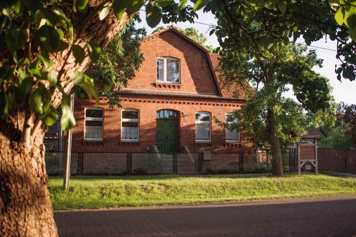 Shropshire House