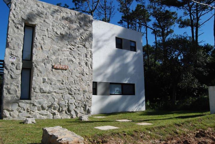 Casa Piedra - Modern Beach House - La Pedrera - Rumah