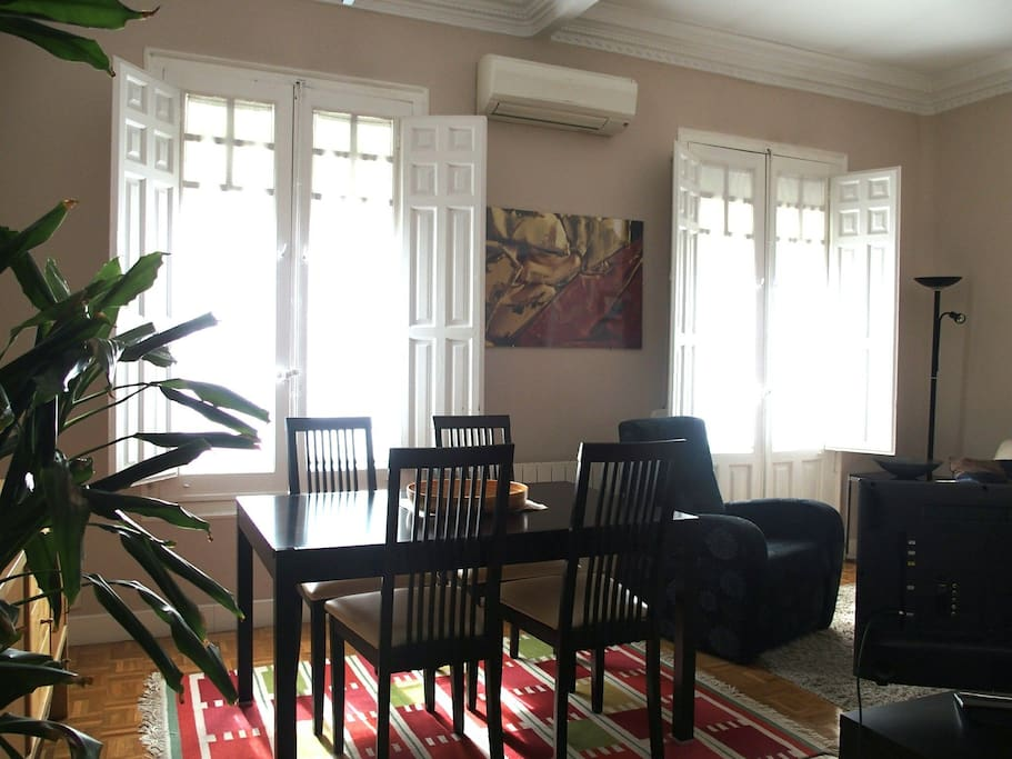Salón comedor - Dining room