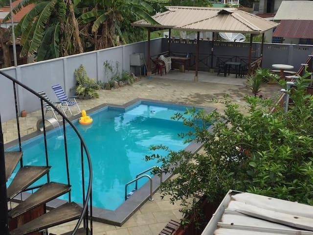 Studio/pool-1