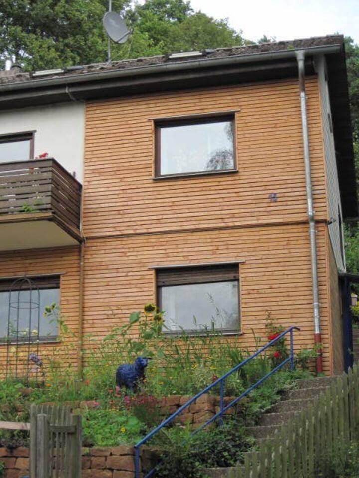 Apartment am Wald im Dachgeschoss