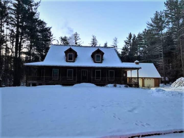 Adirondack Mountains AuSable Chalet-Pet Friendly