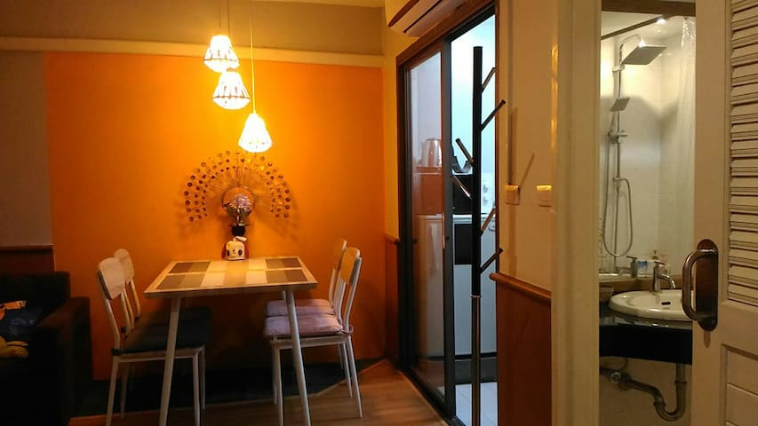 1 BED CONDO near Big market/Night Bazaar/Old city.