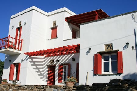 Katerina's Villa (Upper Floor) in Pirgos at Tinos - Piano intero