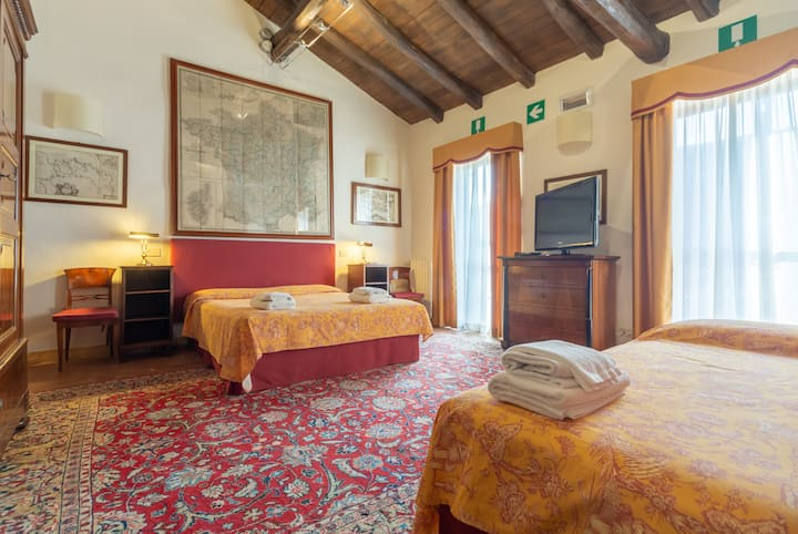 Ca'Palazzo Malvasia-Superior Room with Terrace