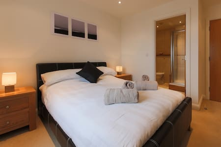 Luxury Newquay double ensuite for Sun & Surf - Newquay