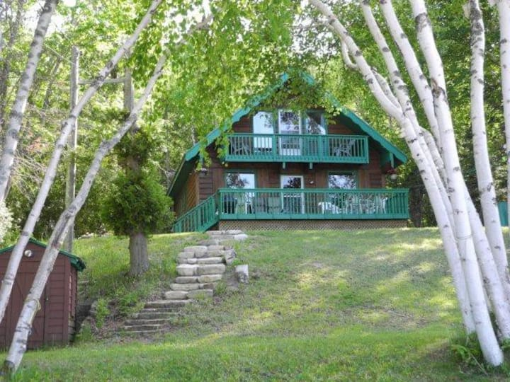 Shamrock Cottage Lakefront, Bruce Peninsula