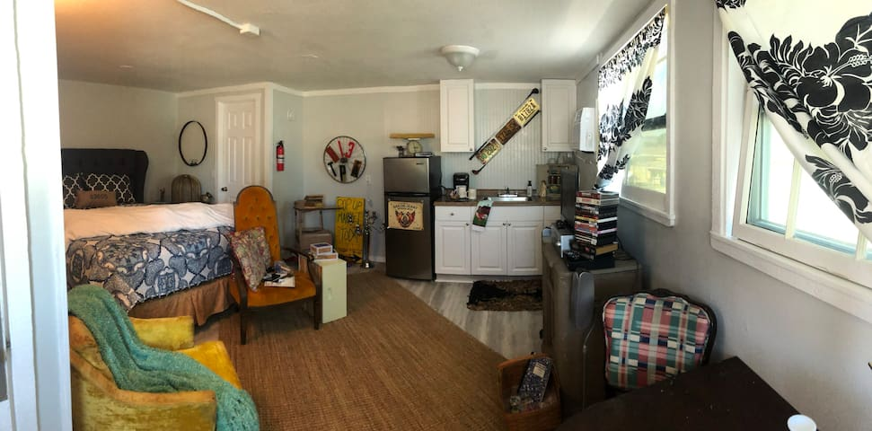 Canary Ann Studio Flat: Port Ybor