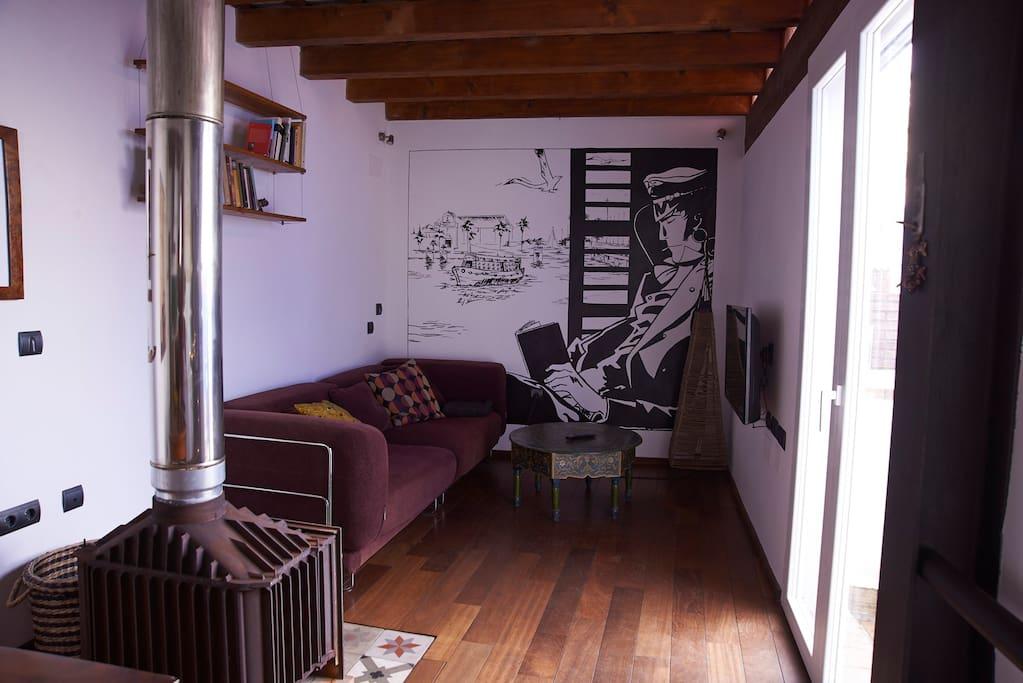Salón con TV, wifi, aire acondicionado, chimenea...