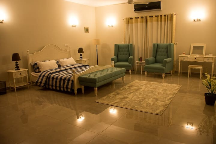 All rooms are individual, with high quality decoration, bedding and facilities. All rooms have attached bathroom with shower and WC. Rooms are also equipped with air conditioning, flat screen TV with satellite channels and NETFLIX subscription.