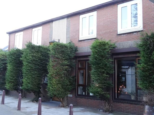 Charmant appartement jaren 70 stijl - Scharendijke - Huis