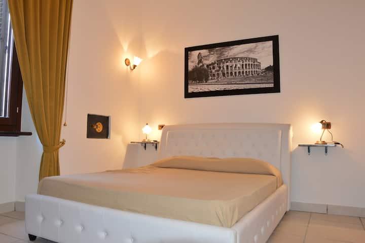 Room Deluxe Roma Termini,low price,suite--