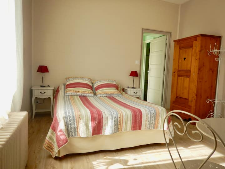 Chambre double cosy  SDB privée parking B&B