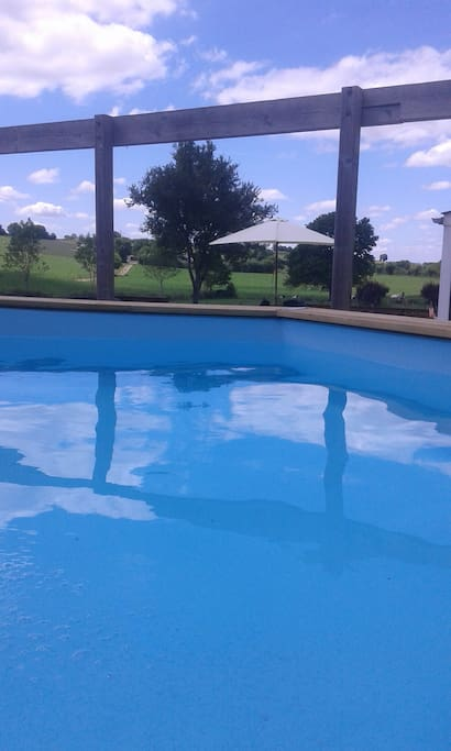 Private pool 3.6m x 1.2m (above ground). Only for cottage guests
