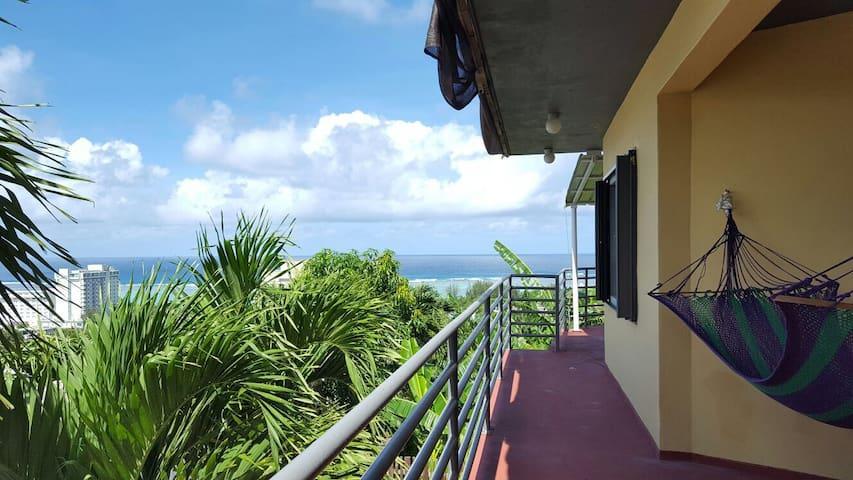 Kmart Oceanview Villa 超海景露台黄屋 - Tamuning - Apartamento