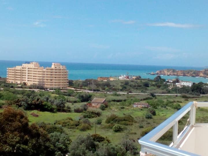 Praia Rocha/ Vau, apartamento com vista sobre mar