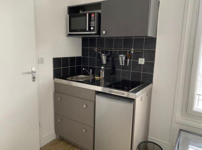 furnished studio 75015