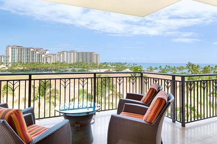 Sixth Floor Villa with Sunrise View in Ko Olina