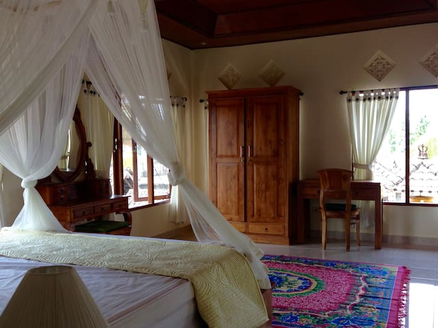 SPECIAL OFFER! New, cozy 1 bdr home with kitchen - Ubud - Huoneisto