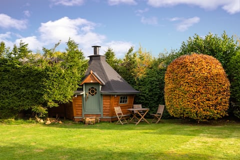 The Den - Scandinavian BBQ Cabin - Lake District