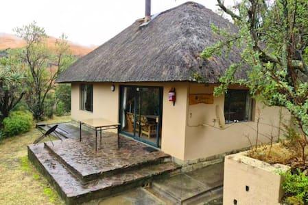 Drakensberg Garden View Cottage 144 (Breakfast)