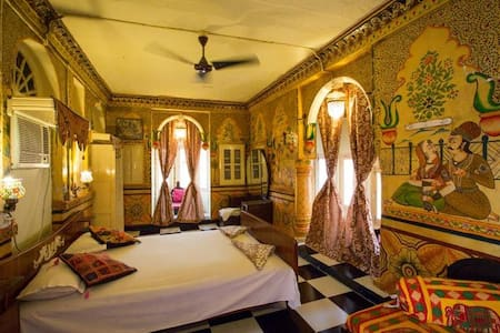 A suite for a Maharani in the Old City of Jodhpur - Jodhpur