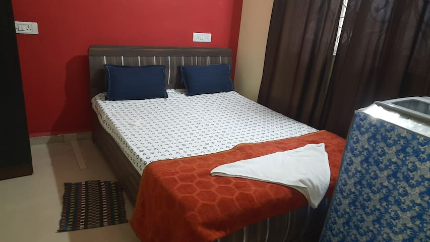 Bedroom-2, 1- Queen size Bed, Washing machine, Wardrobe, Microwave Oven and AC