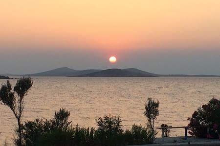 Deniz manzaralı triplex villa - Ayvalık - Willa
