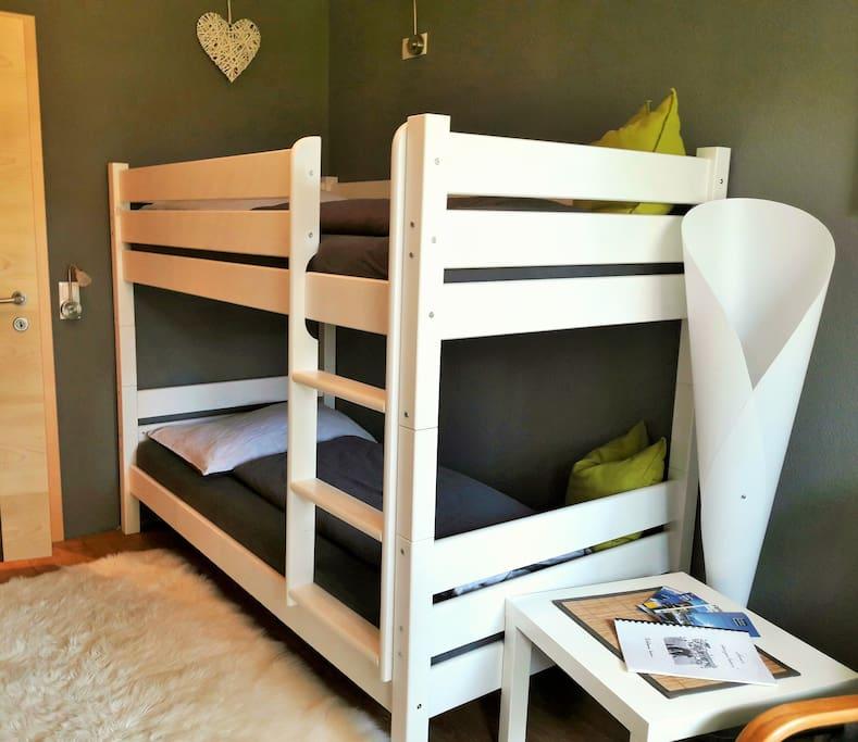 Überbreites Stockbett (für Erwachsene geeignet!)