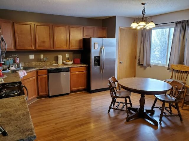3 bed 2 bath north liberty house-close to ic/cr