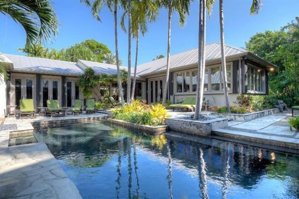Casa West Elegance On Eagle Avenue In Key West Houses