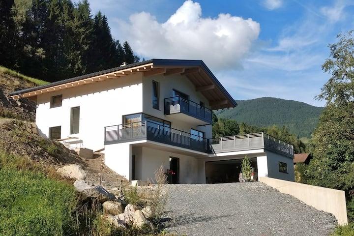 Moderne Ferienwohnung in Saalbach nahe dem Skigebiet