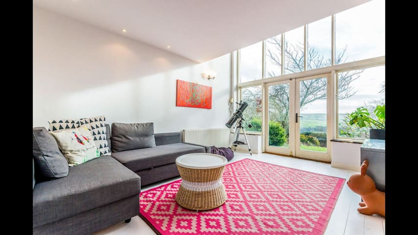 Bright annexe with amazing views - Hebden Bridge - Huis
