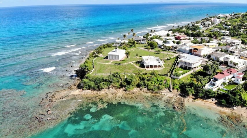 LOCATED ON THE LIGHTHOUSE POINT! 2 blocks 2 ferry
