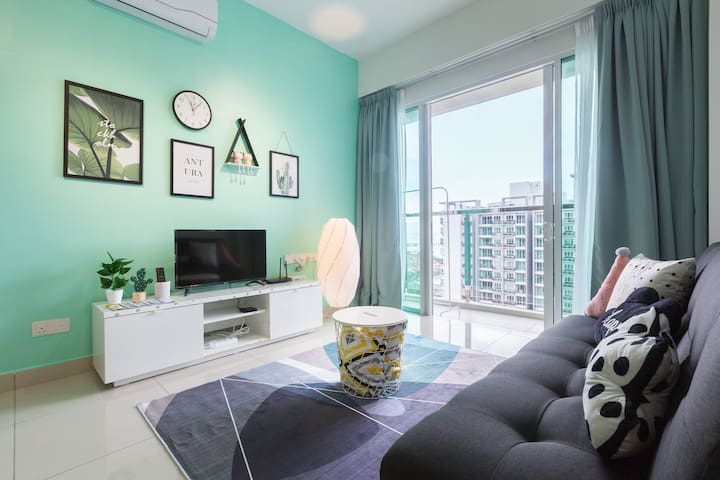 Newly Designer home for 2-9pax,3BR♦️Queensbay Mall♦️
