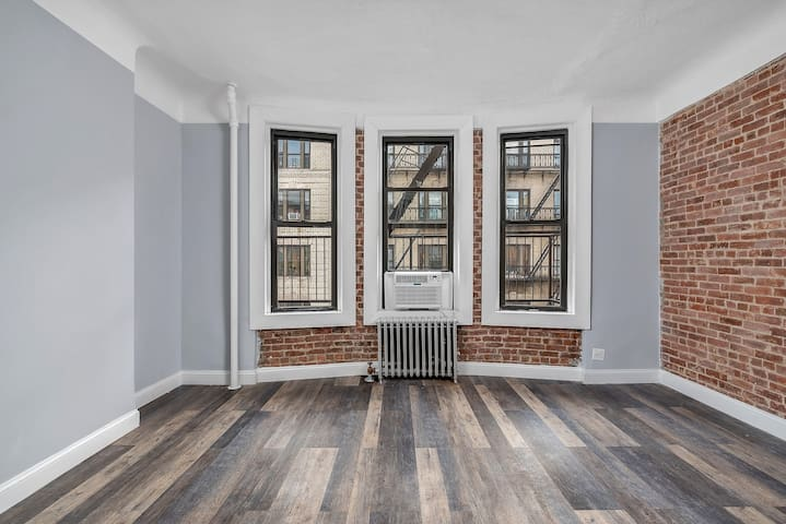 Brand New renovation 3bed 2 bath Available Now