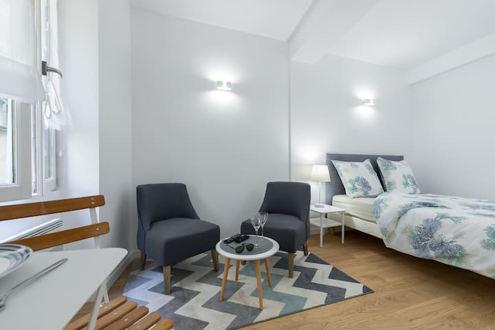 Old town - Beach - Stylish new flat in Vieux Nice