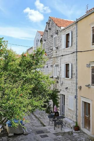 Two bedroom apartment with terrace Mali Ston, Pelješac (A-10115-a) - Mali Ston - Apartment