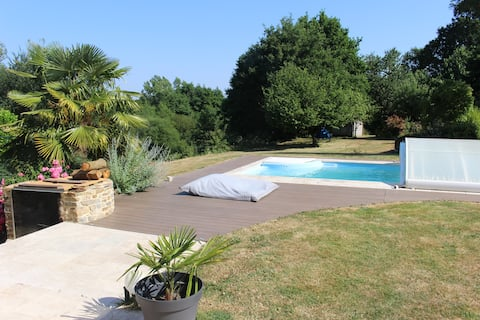 Lovely refurbished old house & a refreshing pool !