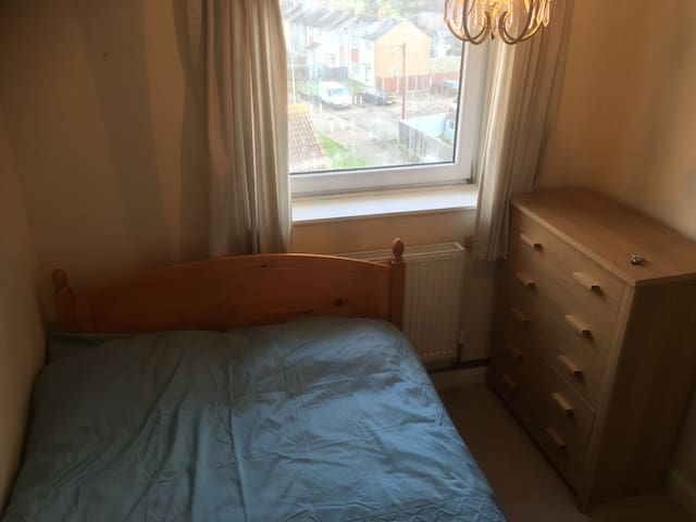 Double Room, Close To Ashford Station/Eurostar