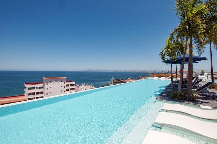 Luxurious Romantic Zone Condo Puerto Vallarta