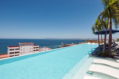 Luxurious Romantic Zone Condo Puerto Vallarta