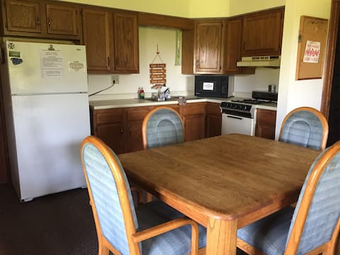 Apartment for 6 @ Hidden Acres Lodging