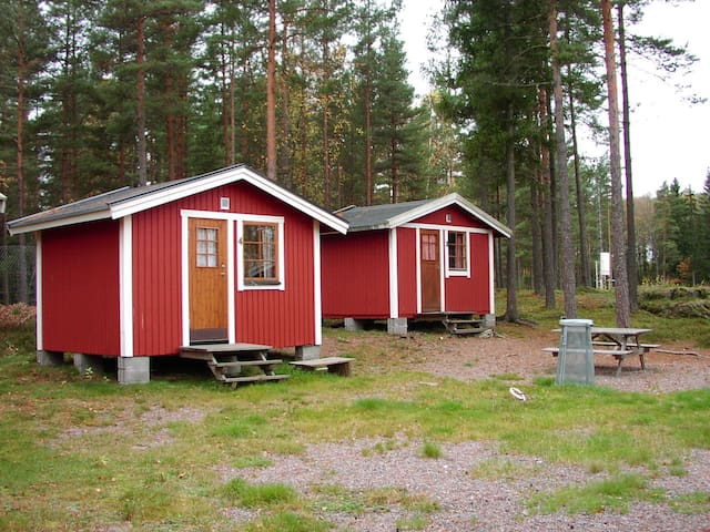 Overnight cottage with room for 4 people.