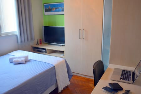 Private room with double bed in Copacabana - Rio de Janeiro