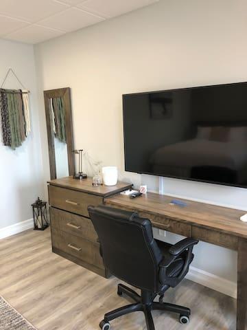 Sundowner Executive Desk and TV